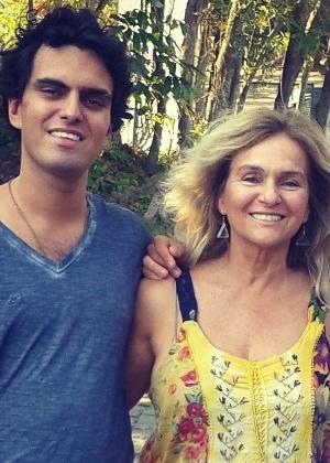 Músico, Rian acompanhava o trabalha da mãe Brita Brazil