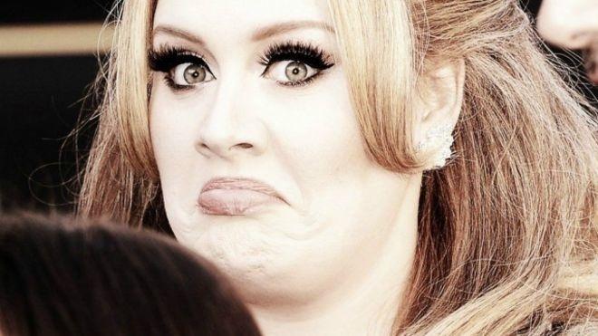A cantora Adele, que vem batendo recordes com seu novo álbum,