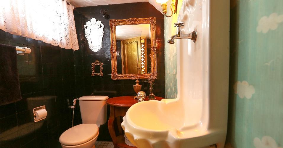 uol decoracao lavabo:lavabo da casa de Igor Rickli, no Rio de Janeiro, também foi