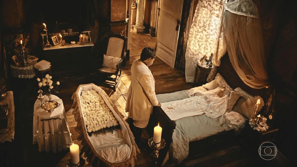 Afrânio (Antonio Fagundes) se despede da mãe, Encarnação (Selma Egrei), em