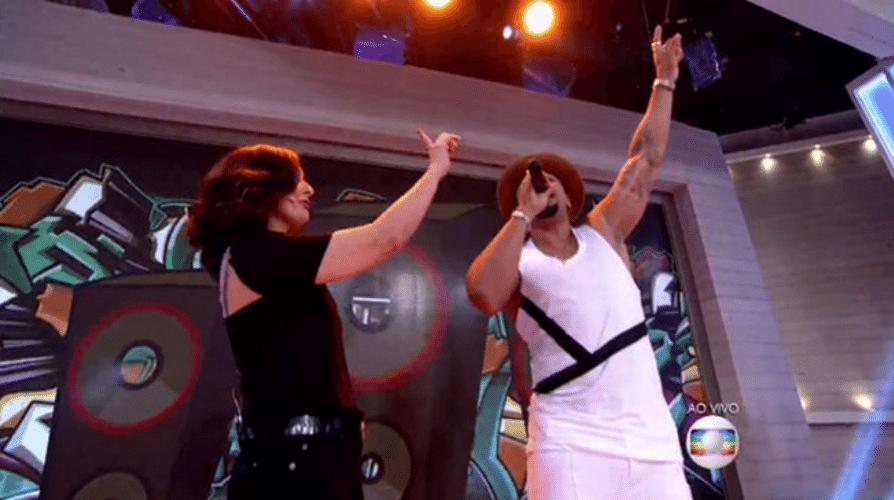 19.nov.2015 - Fátima Bernardes dança com Nald Benny