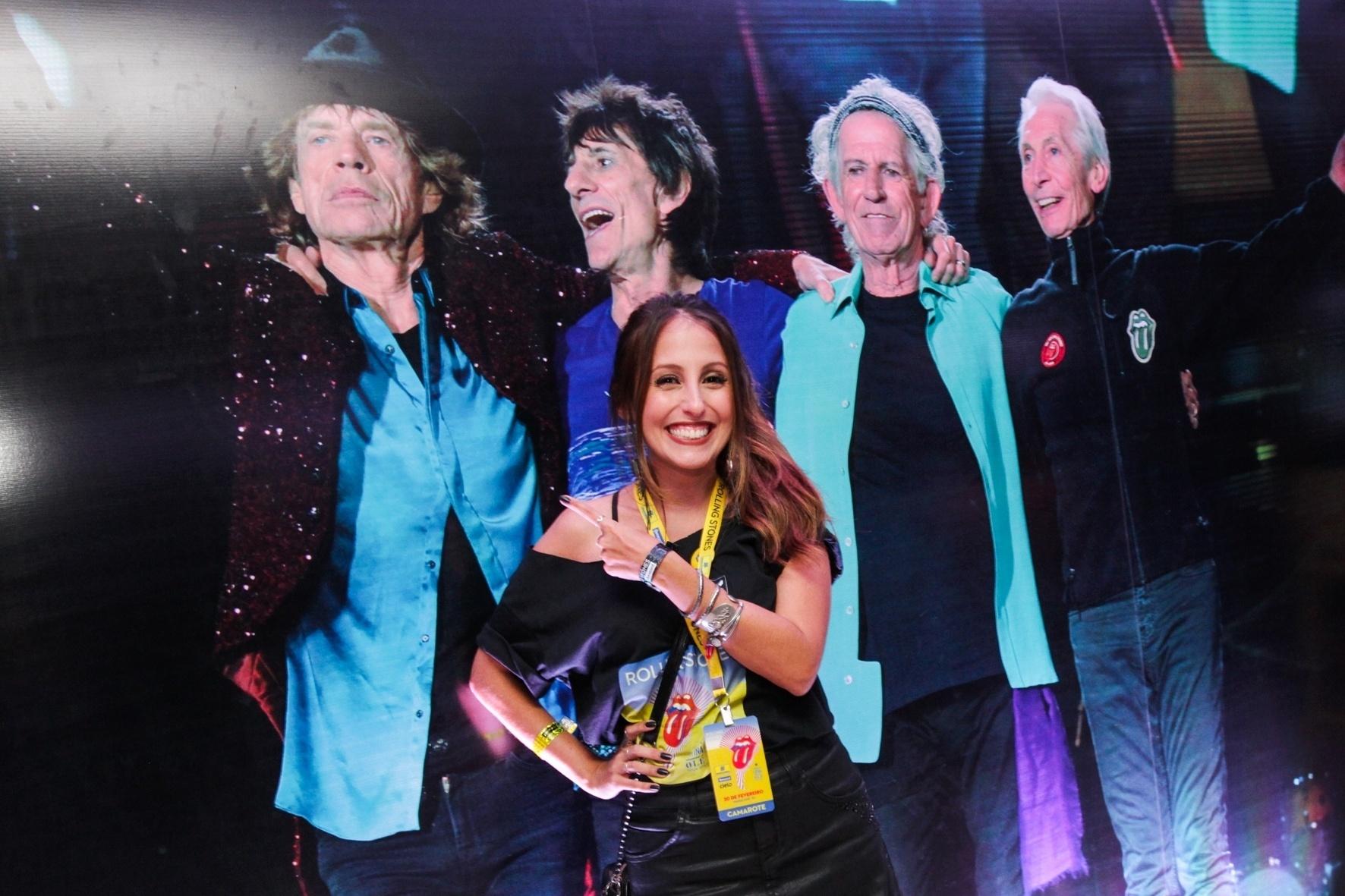 20.fev.2016 - A atriz Luana Martau curte o show dos Rolling Stones no camarote, no Rio