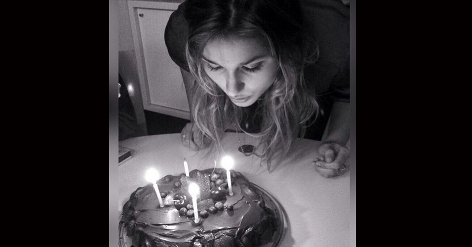 30.jul.2015 - Xuxa Meneguel decidiu celebrar novamente os 17 anos de Sasha, comemorados na última terça-feira.