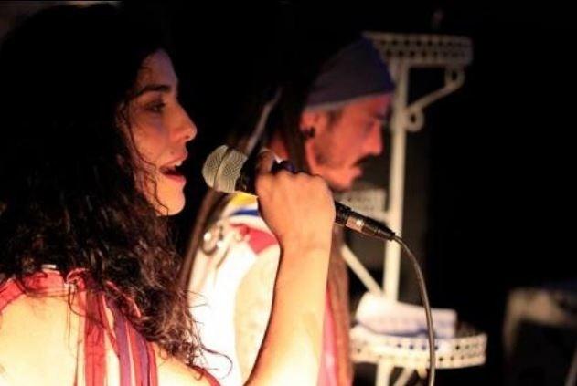 Letícia Sabatella se apresenta na peça