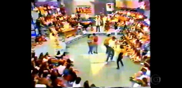 """Na Globo, Serginho Groisman exibe imagens do extinto """"Programa Livre"""", do SBT"""