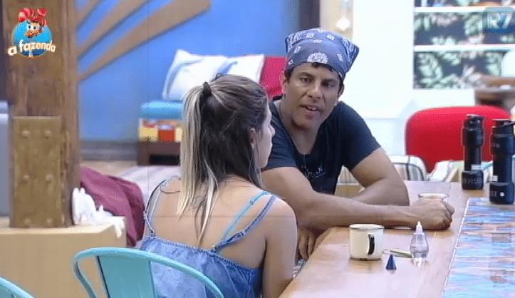 2.dez.2015 - Luka acredita que Ana Paula seja a adversária mais forte para encarar uma roça.