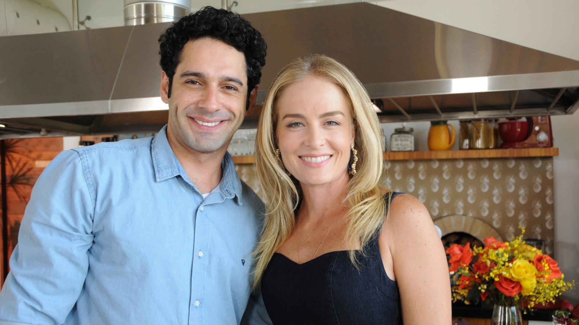 13.set.2016 - Angélica e João Baldasserini nos bastidores do programa