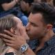 Rodrigo Sant'Anna dá beijo de