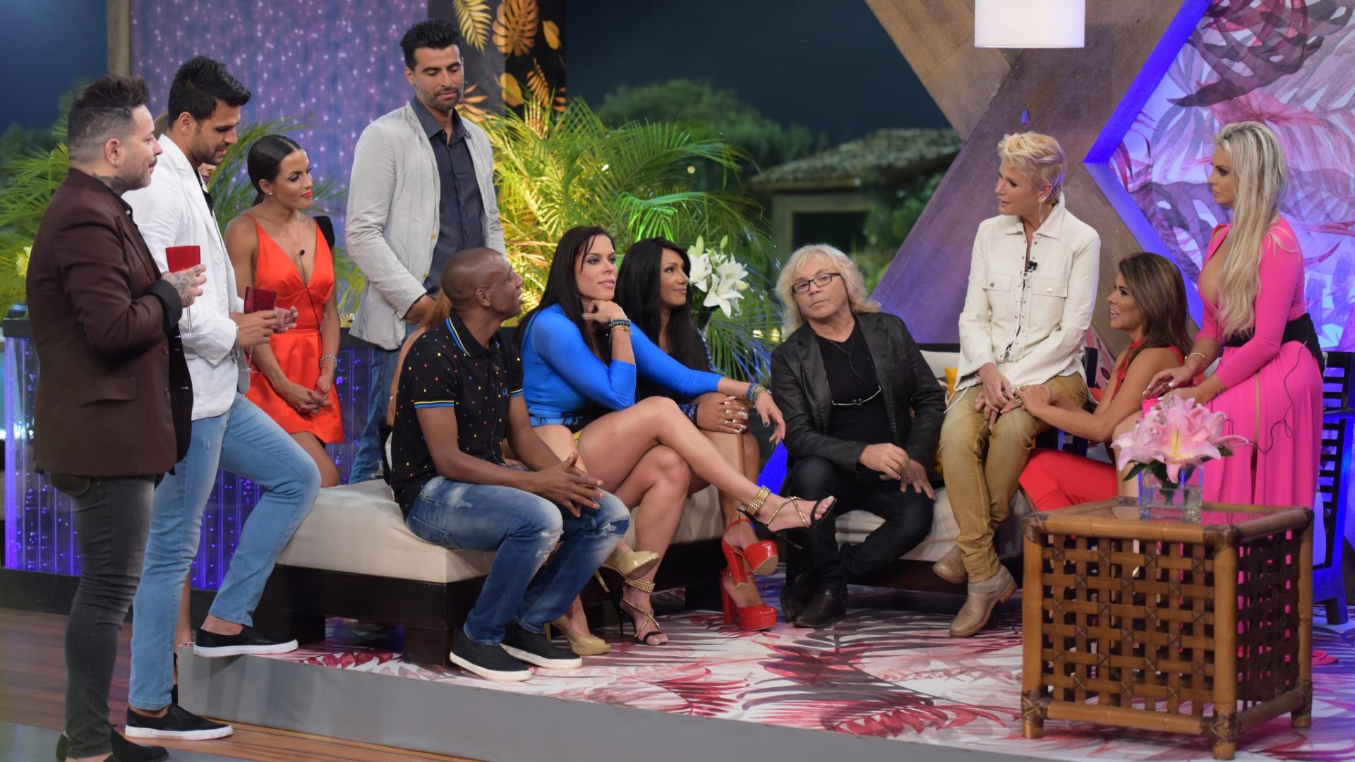 6.dez.2015 - Mais uma vez os peões estão reunidos, agora com a presença de Xuxa