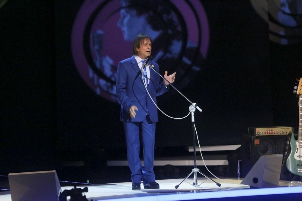7.nov.2015 - Roberto Carlos canta em seu tradicional especial de fim de ano. Neste ano, as gravações acontecem no Teatro Municipal, no Rio de Janeiro