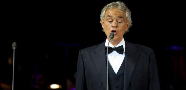 22.ago.2015 - O tenor Andrea Bocelli durante Starlite Festival em Marbella, na Espanha