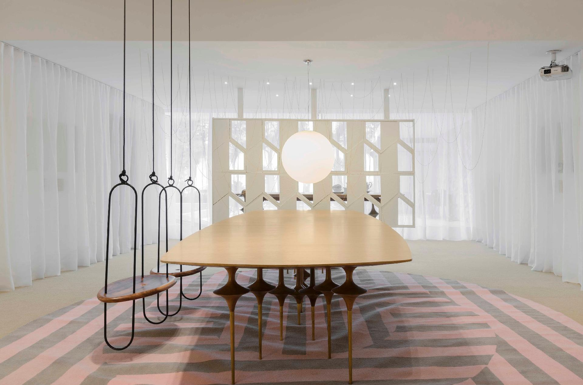 Casa Cor Brasília 2016 - Sensibilidade e leveza são os motes da Galeria Leo, de Leo Romano. Inspirado no balé