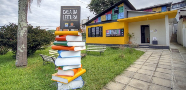 Casa da Leitura Manoel Carlos Karam é um dos locais que abriga a programação de aniversário de programa de incentivo à leitura em Curitiba