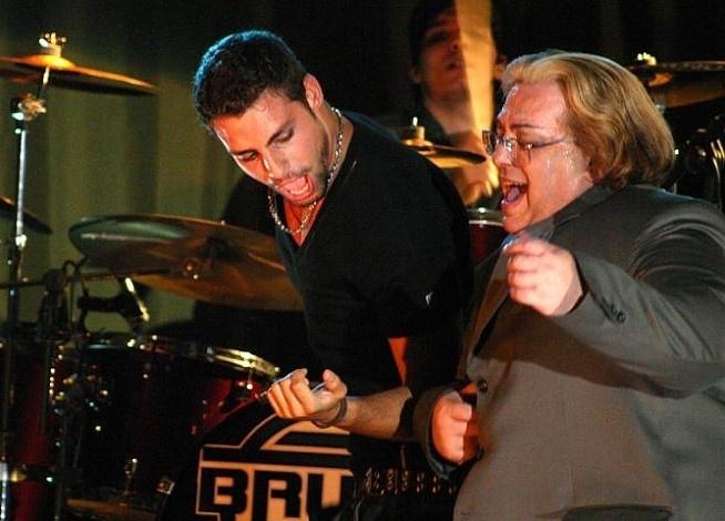 Cauã Reymond e Luiz Henrique em cena do filme