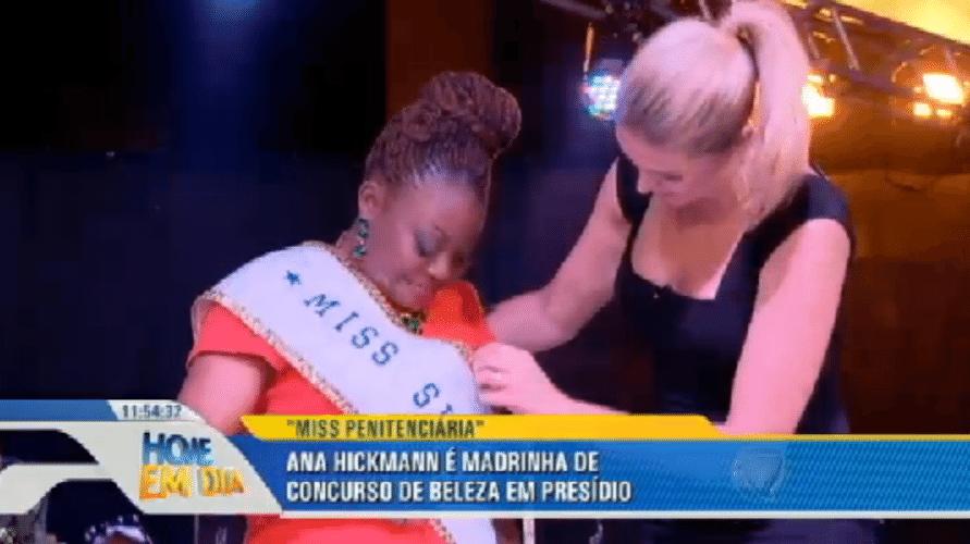 """1.out.2015 - A apresentadora Ana Hickmann participou como madrinha e jurada de um concurso de beleza, que elegeu a """"Miss Penitenciária 2015"""". O evento foi realizado dentro da penitenciária feminina da capital, localizada na zona norte de São Paulo"""