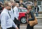 Foto de ativista negra desafiando neonazistas se torna símbolo de luta contra racismo - PA