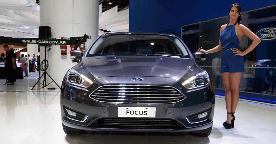 [Image: ford-focus-titanium-20-sedan-mt-14349468...56x500.png]