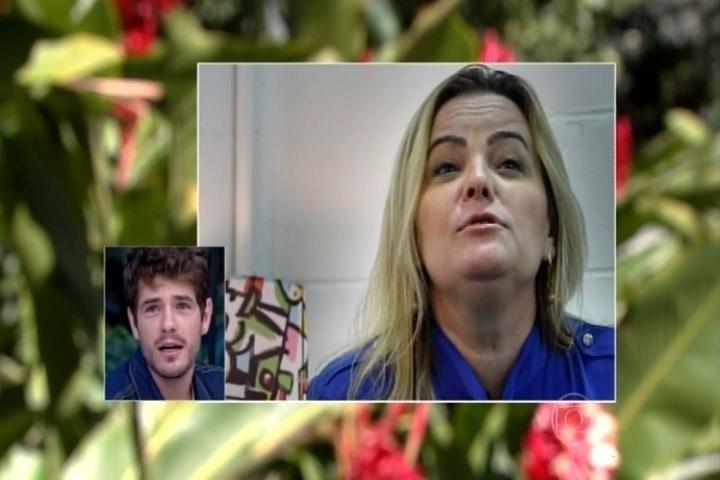 24.jun.2015 - Lucrécia Alves, mãe de Maurício Destri, revela que o filho está namorando com Bruna Marquezine no