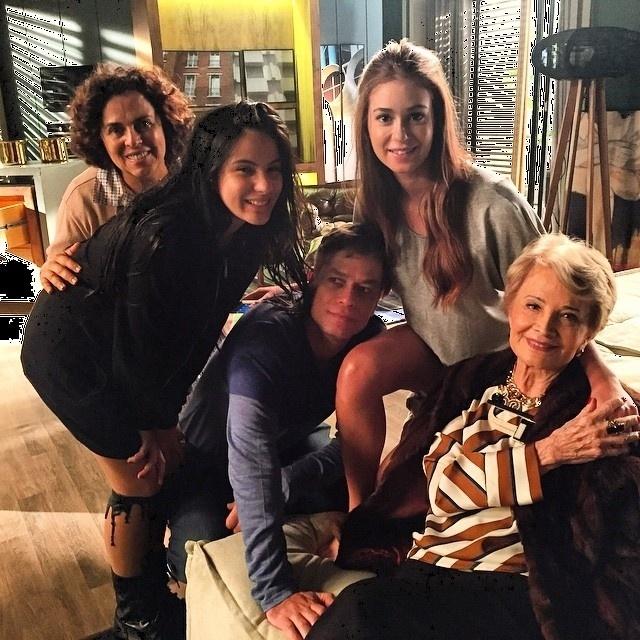8.dez.2015 - Glória Menezes gravou pela primeira vez cenas de