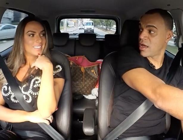 12.jul.2016 - Nicole Bahls e Denílson trocam confidências no programa