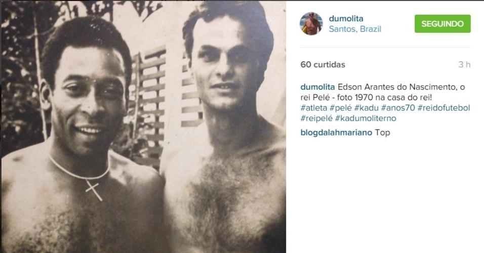 31.out.2015 - Kadu Moliterno resolveu abrir o baú na madrugada deste sábado. Isso porque o ator publicou no seu Instagram uma foto dos anos 70 ao lado de Pelé.