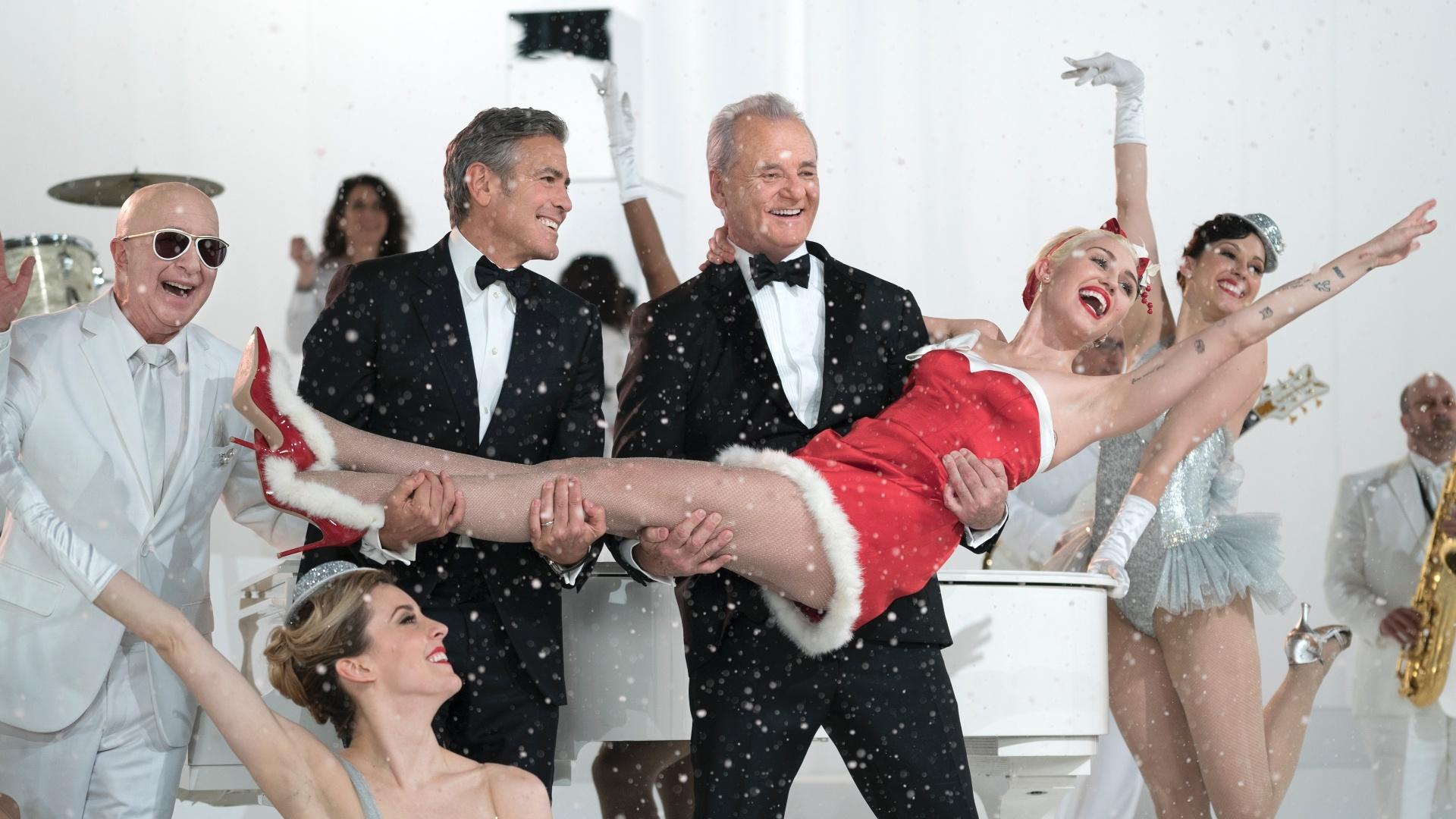 Paul Shaffer, George Clooney, Bill Murray e Miley Cyrus em