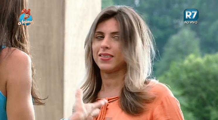 5.nov.2015 - Ana Paula Minerato deixou os cabelos na altura do ombro