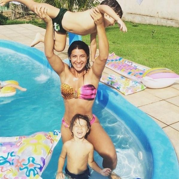 Priscila Pires com os filhos Gabriel e Pietro