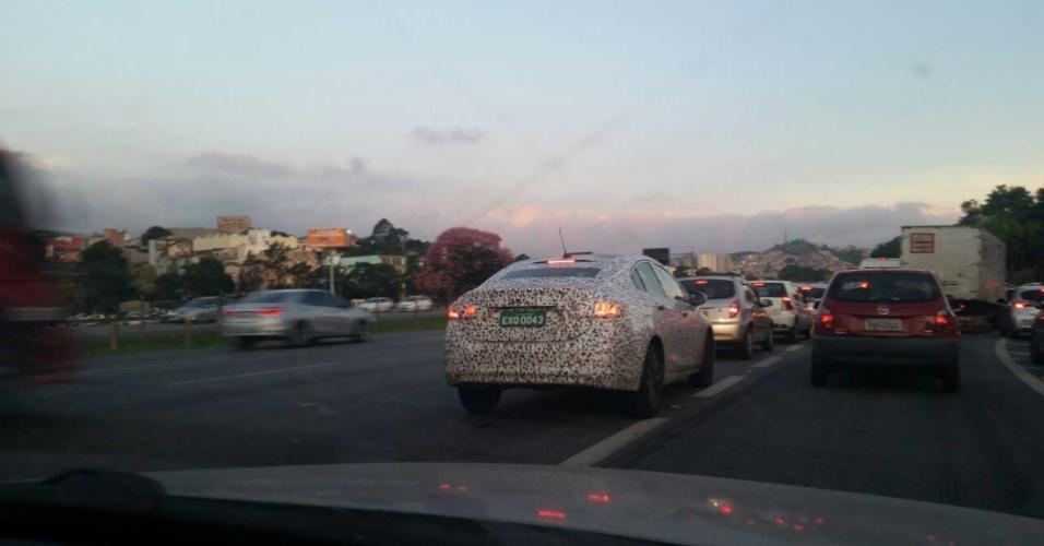 Flagra de nova geração do Chevrolet Cruze