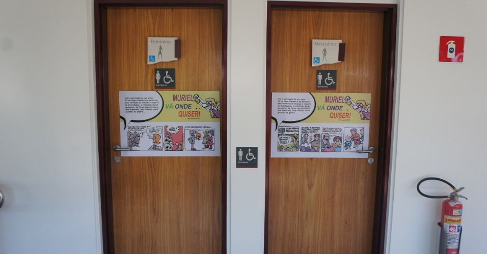 Tiras e desenhos de Laerte são expostos em portas de banheiro no Sesc Bauru  -> Laerte Banheiro Feminino