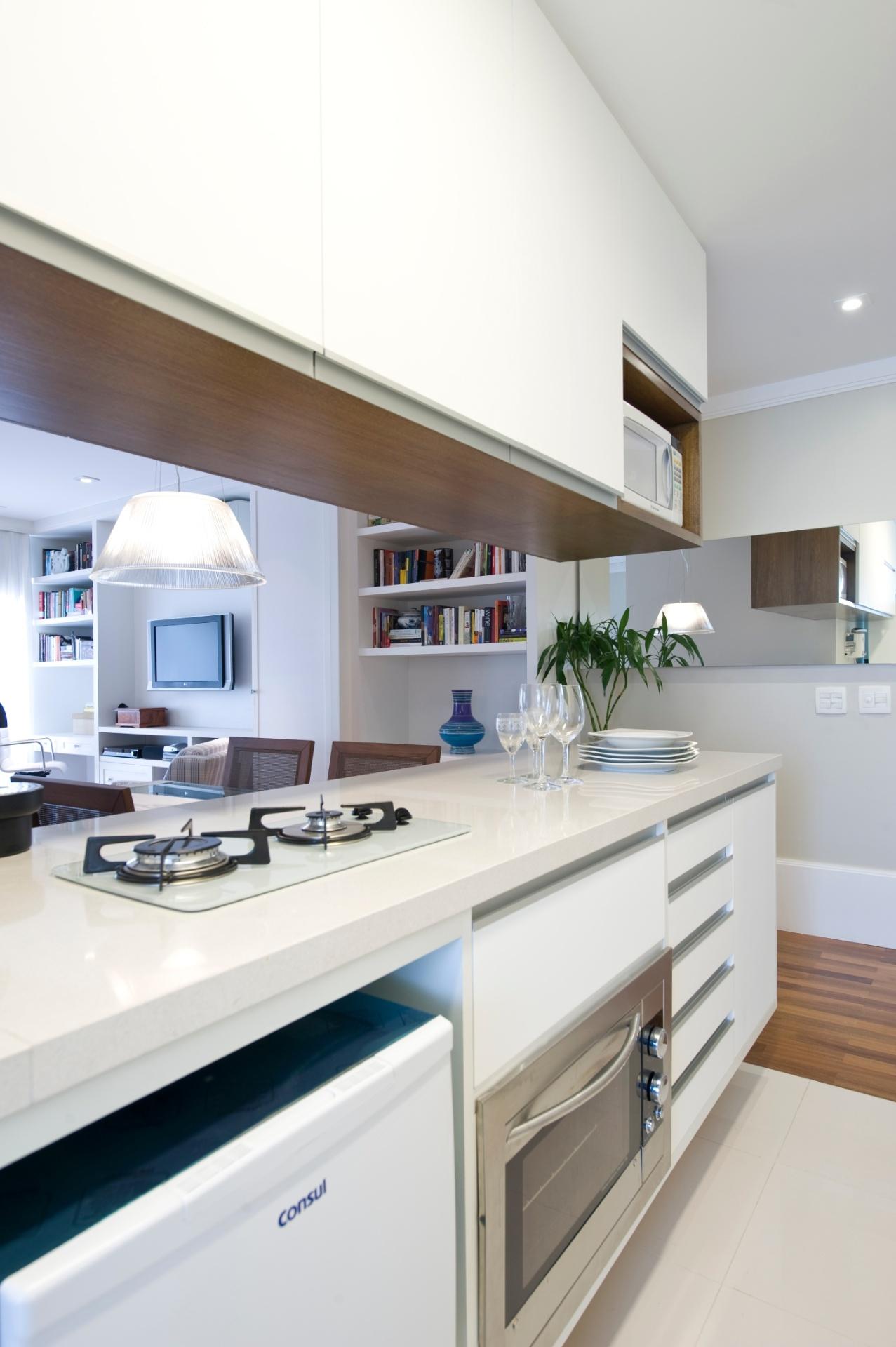 Veja ideias bacanas para construir ou reformar a cozinha de casa BOL  #486183 1277x1920