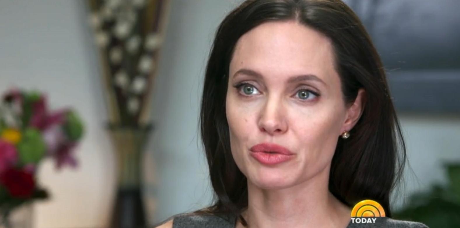 Angelina Jolie fala sobre a cirurgia para retirada dos seus ovários ao programa