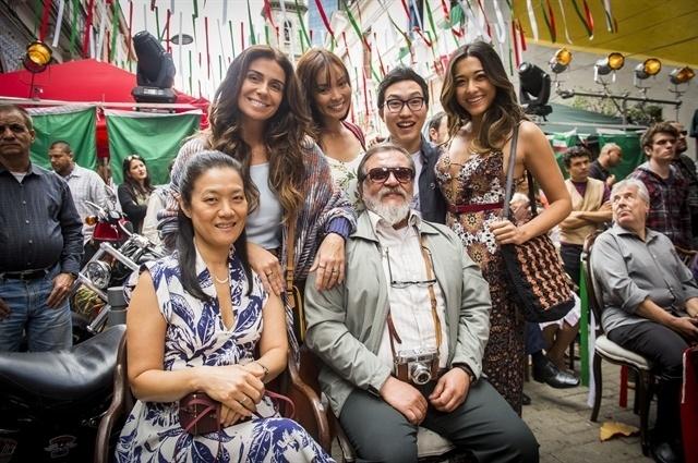 Família Tanaka: Alice (Giovanna Antonelli), Hirô (Carolina Nakamura), Hideo (Paulo Chun), Yumi (Jacqueline Sato), Yumi (Jacqueline Sato), Mieko (Miwa Yanagizawa) e Tanaka (Luis Melo)