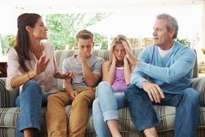Você sabota o par na função de pai ou mãe? (Foto: Getty Images)