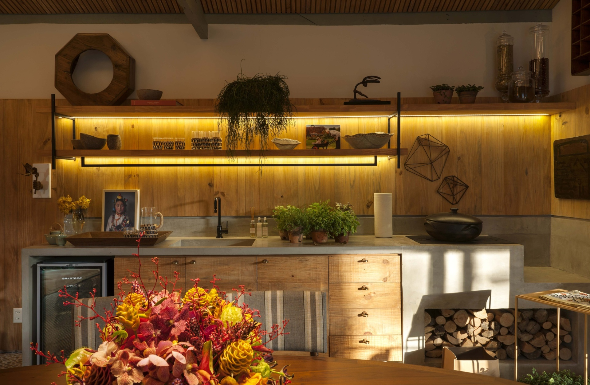 Veja ideias bacanas para construir ou reformar a cozinha de casa BOL  #BC910F 1920 1254