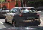 Fiat Tipo hatch faz testes em comboio no Brasil; veja flagra - Gabriel Vinicius Sula/UOL
