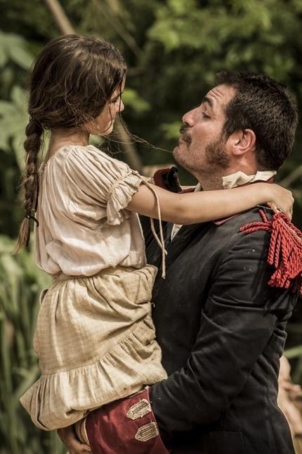 Joaquina vê o pai Tiradentes como um herói