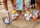 """""""Menor bloco do mundo"""" desfila com marionetes pelas ruas de Tiradentes (MG) - Marcus Desimoni/UOL"""