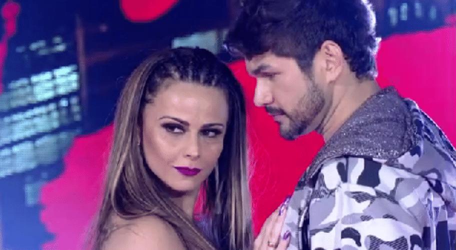 27.set.2015 - Viviane Araújo confirmou o favoritismo e encerrou a primeira fase feminina da