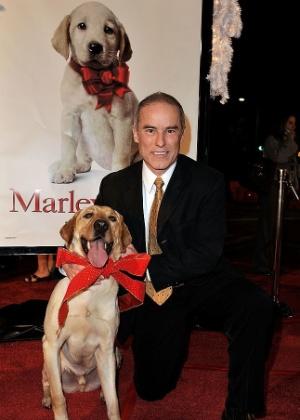 """""""Marley & Eu"""" faz dez anos: conversamos com o dono do """"pior cão do mundo"""""""
