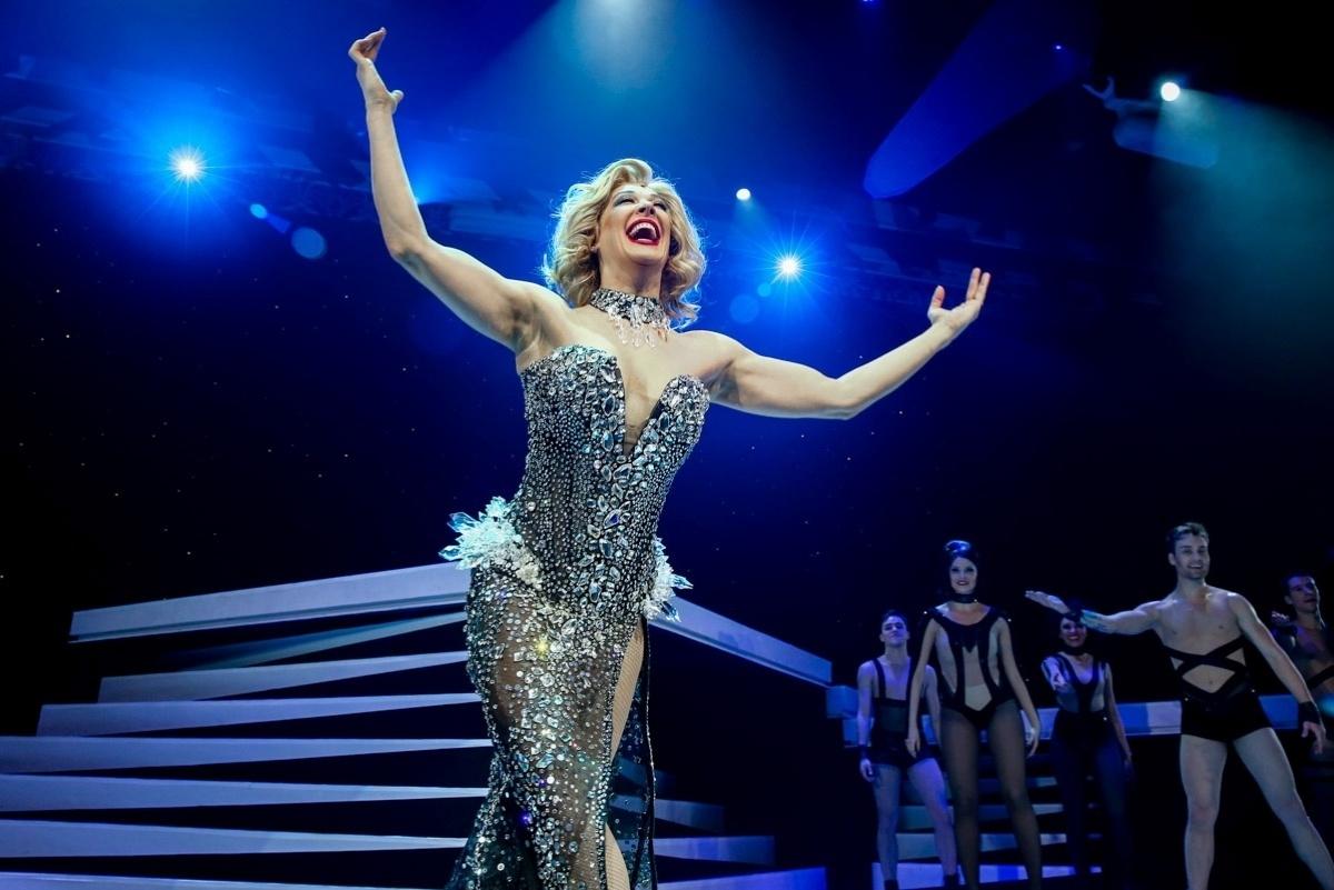 27.jul.2015 - Claudia Raia apresentou uma sessão especial para convidados e imprensa do espetáculo