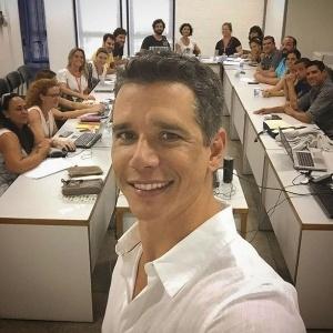 Márcio Garcia posta foto com a equipe de seu novo programa na Globo, que será um game show entre famílias