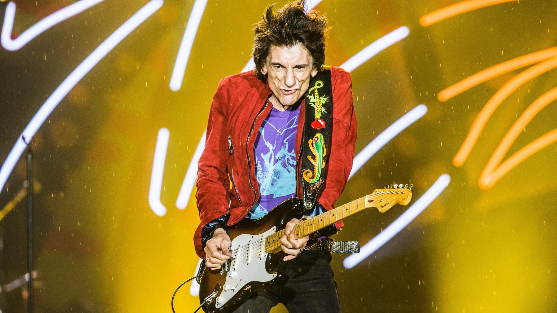 24.fev.2016 - Os Rolling Stones subiram ao palco no estádio do Morumbi, em São Paulo, ao som de