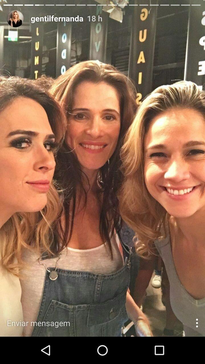 Tatá Werneck, Ingrid Guimarães e Fernanda Gentil na gravação da vinheta de fim de ano da Globo