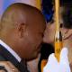 Cantor Rick se emociona ao ser surpreendido com casamento da filha - Reprodução/SBT.com.br