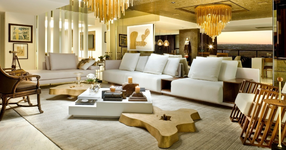 Sala De Estar Luxo ~ Nada de isolar a sala de TV do restante da casa! No projeto Luxo