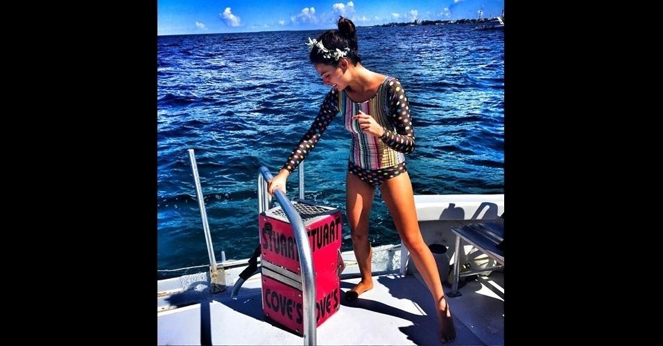 19.jun.2015 - Isis Valverde compartilhou uma nova foto da viagem a trabalho que está fazendo pelas Bahamas, na tarde desta sexta-feira em seu Instagram