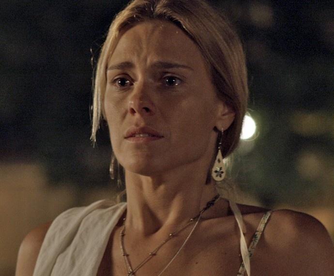 Lara descobre que o ex, Orlando, está vivo