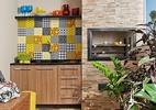 Varanda gourmet tem gostinho de ar livre e funciona como extensão da sala (Foto: Luis Gomes/Revista Minha Casa)