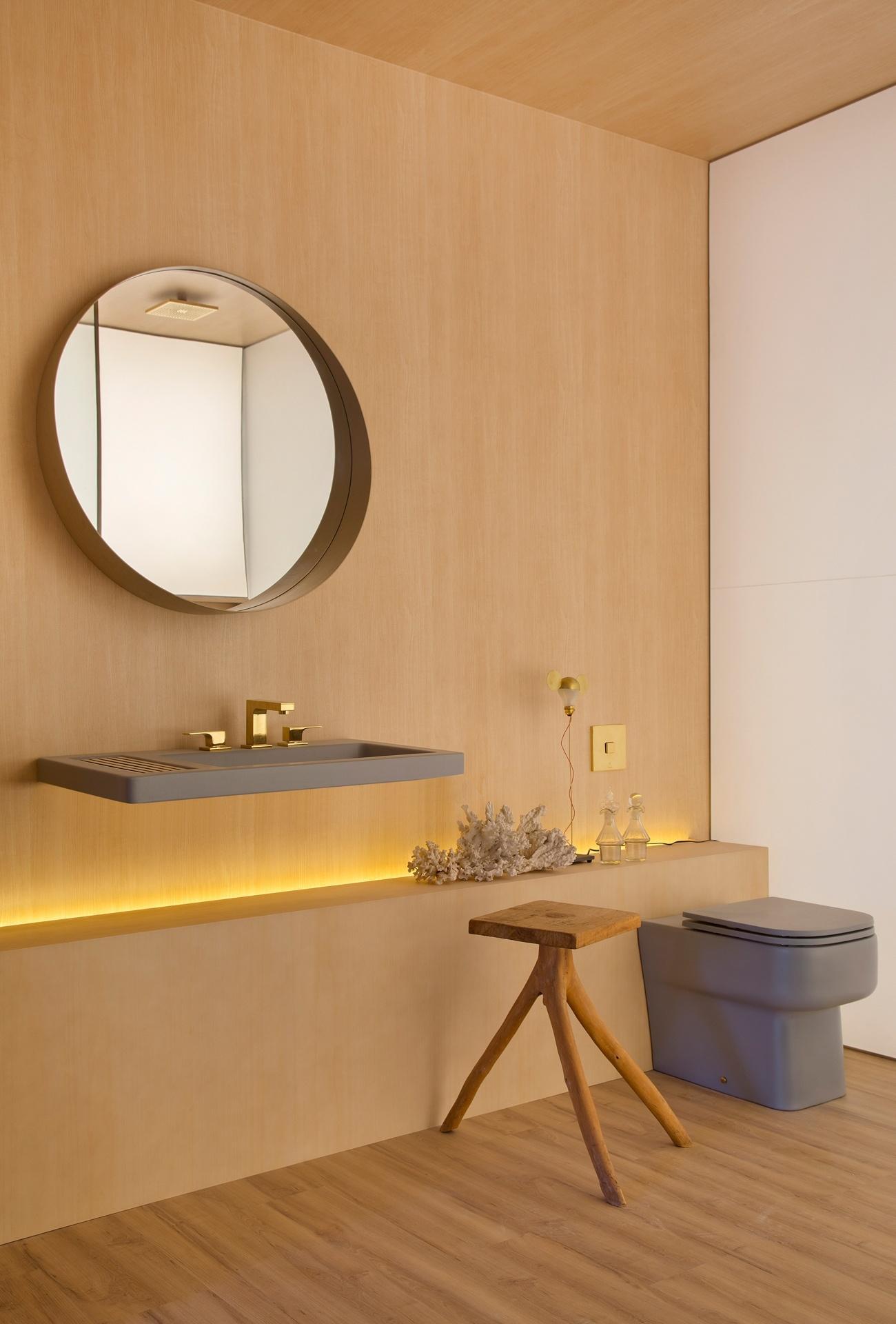 Banheiros: sugestões para decoração tendo muito ou pouco espaço  #BD840E 1300x1920 Banheiro Bege Com Cuba Branca